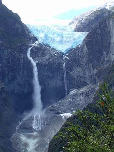 Cascada de Ventisquero Colgante (Waterfall of the Hanging Glacier), Chile