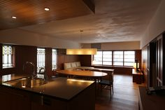 Apartment in Kitaaoyama-renovation 2015|北青山のマンション[改修]堀部安嗣 Interior Architecture, Interior Design, Living Spaces, Living Room, New Room, Apartment Living, Kitchen Dining, Small Spaces, Sweet Home