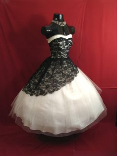 Vintage 1950's 50s STRAPLESS Black White Lace Tulle Party Prom Wedding Dress