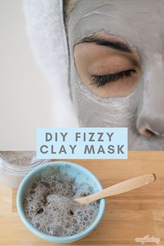 mask for pores Pamper your skin with a DIY carbonated clay mask that bubbles and fizzes when you apply it. The bentonite clay in this foaming DIY face mask absorbs excess oil while the other ingredients target acne clogged pores and dark spots. Argile Bentonite, Bentonite Clay Mask, Face Mask For Pores, At Home Face Mask, Diy Acne Face Mask, Clogged Pores, Foaming Face Mask, Mascarilla Diy, Face Masks