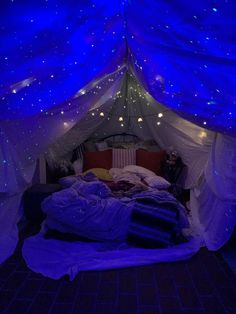 I built a fort in my bedroom for my boyfriend's birthday Cute Room Decor, Chill Room, Cozy Room, Dream Rooms, Dream Bedroom, Room Ideas Bedroom, Bedroom Decor, Cozy Teen Bedroom, Teenage Room Decor
