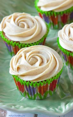 carrot-cupcakes-cinna-brown-sugar-cream-cheese-frosting| HollysCheatDay.com