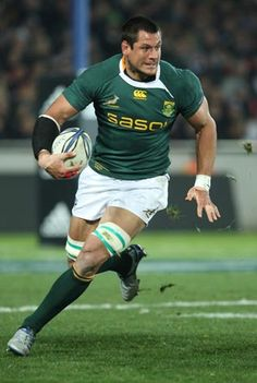 After watching the Rugby World Cup, I now prefer rugby to hockey (gasp! South Africa, New Zealand, Scotland and Wales are my new favs. Rugby League, Rugby Players, Rugby Teams, Scottish Rugby Team, Pierre Spies, South Africa Rugby, Watch Rugby, International Rugby, Rugby Men