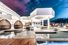 Sternerestaurant auf Teneriffa: El Rincón de Juan Carlos - The Chill Report Restaurant Lighting, Restaurant Lounge, Chill, Light Project, Room Lights, Best Hotels, Interior Architecture, Family Room, House Styles