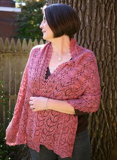 Potager Shawl - the edging is lovely and I simply like this one. I'm not sold on making a rectangle for this project though. Thoughts on shape? Summer Knitting, Knitting Yarn, Shawl Patterns, Knitting Patterns, Anne Hanson, Bridesmaid Shawl, Fingering Yarn, Stockinette, Knitted Shawls