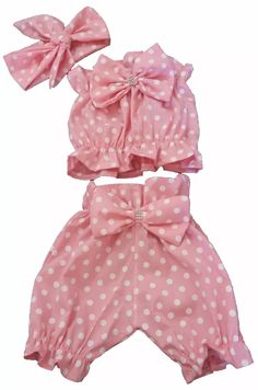 Does anyone know of a tutorial for baby bloomers something like this or similar thanks sewing crafts handmade quilting fabric vintage diy craft knitting Baby Girl Fashion, Toddler Fashion, Kids Fashion, Little Girl Dresses, Girls Dresses, Short Infantil, Princes Dress, Kids Dress Patterns, Diy Bebe