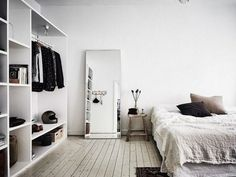 Innenarchitektur 61 Awesome Minimalist Master Bedroom Decorating Ideas Preparing To Build Wooden Fen Home Decor Bedroom, Bedroom Wall, Bedroom Furniture, Bedroom Mirrors, Modern Furniture, Trendy Bedroom, Modern Bedroom, Master Bedrooms, Bedroom Neutral