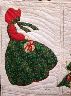 http://www.bonnetgirls.com/images/ChristmasQuilt/DSCN7407.JPG