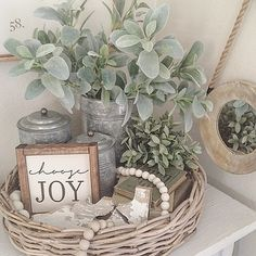 Farmhouse decor choose joy wicker basket boxwood eucalyptus - Basket Decoration and Crates Ideas Country Farmhouse Decor, Farmhouse Chic, French Country Decorating, Rustic Decor, Country Décor, Country Kitchens, Country Homes, Vintage Farmhouse, Farmhouse Baskets