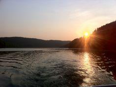 Morgentau-Tour im Nationalpark Kellerwald-Edersee. Die Teilnahmegebühr beläuft sich auf 29,50 € (inkl. Bootsfahrt und Verpflegung)