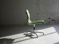 Eames Aluminum Group Side Chair. Perfect.