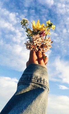 flower aesthetic you belong among the wildflowers , Spring Aesthetic, Nature Aesthetic, Flower Aesthetic, Aesthetic Vintage, Aesthetic Plants, Aesthetic Iphone Wallpaper, Aesthetic Wallpapers, Insta Photo Ideas, Jolie Photo