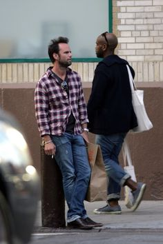 Walton Goggins Out and About - Pictures - Zimbio