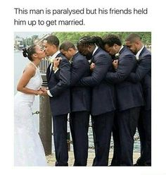 people are so fucking stupid. he's not paralyzed. those are his frat brothers<<<<<<Its still awesome<<<<<<<Its still heartwarming Sweet Stories, Cute Stories, Collateral Beauty, Human Kindness, Touching Stories, Faith In Humanity Restored, Humor, Good People, Amazing People