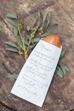 Menu original mariage pochette pain