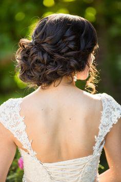 ~ we ❤ this! itsabrideslife.com ~#weddinghair #bridalhair #weddingupdo