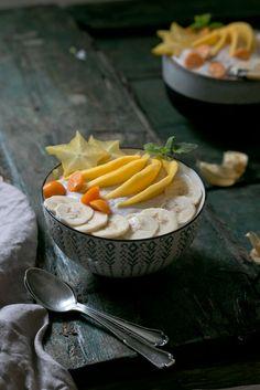 Kokos-Bowl mit exotischem Obst. | Foodlovin'
