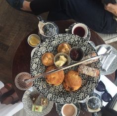 afternoon-tea-at-allis-chicago-soho-house http://styledamerican.com/chicago-bound/