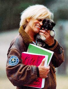 Yes, it's Klaus Kinski with a puppy