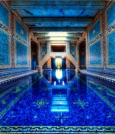 HearstCasteleCalifornia   decoration pool mosaic. This is AMAZING in person! The tiles are gold!