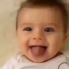 Get Benefits from Baby Registry Cute Baby Boy Images, Funny Baby Faces, Cute Funny Baby Videos, Cute Funny Babies, Funny Videos For Kids, Cute Baby Pictures, Cute Kids, Cute Little Baby, Baby Kind