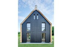 Reetdachhaus in Darß, Mecklenburg-Vorpommern Barn trio with a thatched roof, state building award modern houses by Möhring Architekten Architecture Cool, Mother Art, Thatched Roof, Shed, Cottage, Outdoor Structures, House Styles, Building, Nice Houses