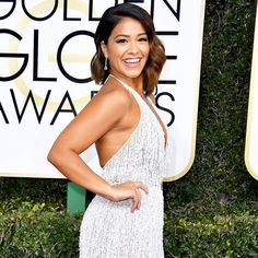 Gina Rodriguez, star of Jane the Virgin, walks the Golden Globe Awards 2017 red carpet. Her skin radiant and glowing from Nanogold Collagen Repair Mask Golden Globe Awards 2017, Makeup Tips, Hair Makeup, Gina Rodriguez, Jane The Virgin, Golden Globes, Red Carpet, Latest Trends, Formal Dresses