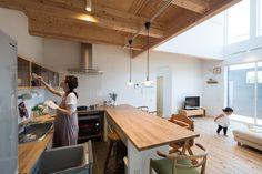 顕徳町の家 | ソラマド写真集 Kitchen Room Design, Home Decor Kitchen, Kitchen Interior, Home Kitchens, Japanese Kitchen, Japanese House, Muji Home, Japanese Interior Design, Studio Interior