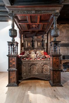 Read the great article about this Oak Elizabethan bed  It comes back to Ordsall Hall after 300 years - Manchester Evening News