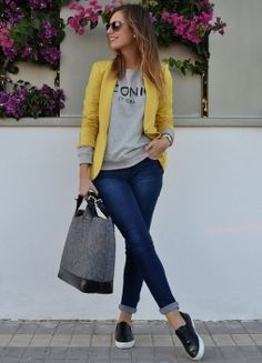 I love everything about this summer outfit. Lovely Summer Fresh Looking Outfit. The Best of casual fashion in - Celebrity Style and Fashion Trends - Celebrity Style and Fashion Trends Mode Outfits, Fall Outfits, Casual Outfits, Fashion Outfits, Fasion, Casual Friday Work Outfits, Cute Blazer Outfits, Fashion Clothes, Outfits Jeans