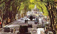 Aix-na-Provença. Praça da Rotonde e Avenida Cours Mirabeau, a principal da cidade. Região Administrativa francesa de Provença-Alpes-Costa Azul, França.