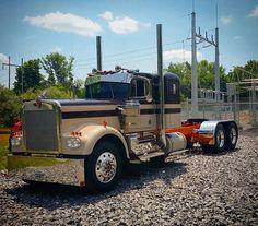 sweet old KW Heavy Duty Trucks, Big Rig Trucks, Semi Trucks, Cool Trucks, Pickup Trucks, Custom Big Rigs, Custom Trucks, Yamaha Cafe Racer, Trailers