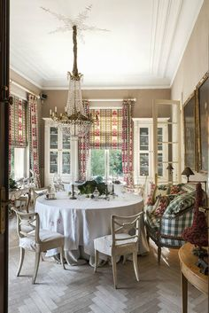 Room of the Day ~ checked sofa, skirted chairs and table, charming print on window treatments, painted woodwork and chandelier - A Interior Design Dining Room Design, Dining Room Table, Dining Area, Dining Rooms, Classic Dining Room, Cottage Interiors, French Country Decorating, Beautiful Interiors, Decoration