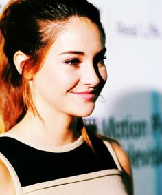shailene woodley @alorahandnatali can u make me a either a cool shaliene woodley edit or a tris from divergent edit? Tag me in it when done my username dewittcasa
