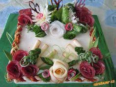 Dort slaný • zdobený, salámem a sýrem