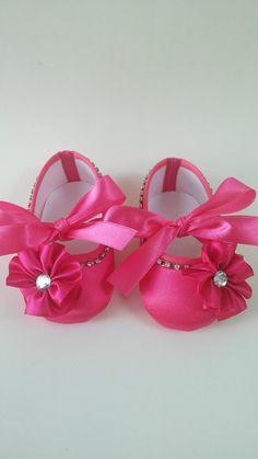 Sapatinho pink com flor e strass   Dindas Baby   Elo7
