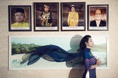Mai Thu Huyền truyền tải thông điệp kết nối qua BST 'Thế giới như tôi thấy' - Teen360. Thông qua bộ sưu tập này, Mai Thu Huyền cũng như NTK Đỗ Trình Hoài Nam muốn đề cao mối quan hệ ngoại giao, tính hòa nhập thông qua bộ sưu tập này từ đó hình ảnh áo dài Việt Nam sẽ bay cao bay ra ngoài thế giới.