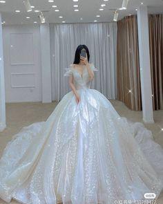 Ballroom Wedding Dresses, Wedding Dress Bustle, Princess Wedding Dresses, Wedding Dress Styles, Dream Wedding Dresses, Bridal Dresses, Wedding Gowns, Princess Ball Gowns, Pretty Quinceanera Dresses