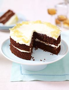 Gorgeous ginger and chocolate cake, by Mary Berry. A rich cake with an intriguing blend of flavours, why not give it a go for Easter. Ginger Chocolate, Chocolate Cakes, Mary Berry Chocolate Cupcakes, Chocolate Recipes, Toffee Cupcakes, Dog Cupcakes, Chocolate Heaven, Chocolate Brownies, Rich Cake