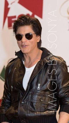4bf551b115d 233 Best Shahrukh Khan wearing Sunglasses images