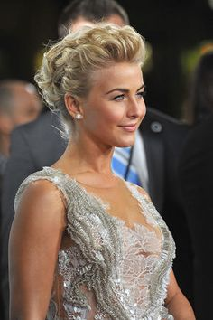 Prom hairstyles perfect for short hair - Hair Styles Formal Hairstyles For Short Hair, Short Punk Hair, Medium Short Hair, Edgy Hair, Short Hair Updo, Up Hairstyles, Medium Hair Styles, Wedding Hairstyles, Curly Hair Styles
