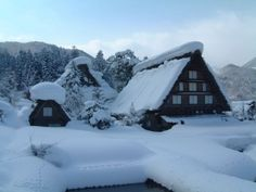 雪の白川郷(1)