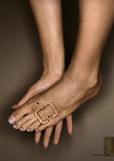 fakes shoes printed on skin illusion