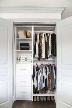 Maximize your closet space with these sensible closet organization concepts! We've gathered tons of ideas as well as techniques for maximizing closet room with numerous styles as well as modern-day styles. Closet Bedroom, Girls Bedroom, Trendy Bedroom, Diy Bedroom, Bedroom Furniture, Furniture Plans, Hallway Closet, Bedroom Themes, Master Bedrooms