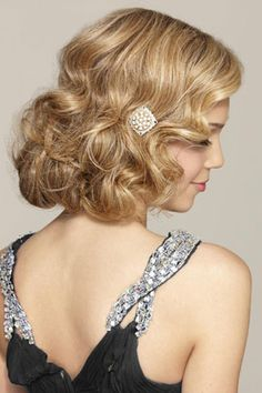 Vintage Hairstyles For Prom The Faux Bob Curly Blond Hair for Wedding Hairstyles Holiday Hairstyles, Wedding Hairstyles For Long Hair, Party Hairstyles, Wedding Hair And Makeup, Vintage Hairstyles, Bob Hairstyles, Bridal Hair, Glamorous Hairstyles, Homecoming Hairstyles