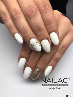 Here is a tutorial for an interesting Christmas nail art Silver glitter on a white background – a very elegant idea to welcome Christmas with style Decoration in a light garland for your Christmas nails Materials and tools needed: base… Continue Reading → White Nail Polish, White Nails, Garra, Unicorn Nails Designs, Girls Nails, Nail Patterns, Holographic Nails, Cute Nail Designs, Almond Nails