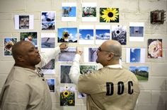 Photographer Christopher Jacobs has seen the photography class he teaches at the Mental Health Transition Center at Cook County Jail develop into a personal passion for him, and for the prisoners who've found a new appreciation for the art. Donald Trump Interview, Cook County Jail, Photo Class, Photography Classes, Military Men, People Sitting, Art Therapy, Prison, Entertaining
