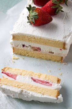 If summer was an ice cream cake, it would be this strawberries and cream one.