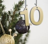 JOULUKALENTERI 2019 | Tuulia design. Iloa & Ideaa askarteluun ja käsitöihin! Christmas Ornaments, Holiday Decor, Diy, Design, Home Decor, Decoration Home, Bricolage, Room Decor, Christmas Jewelry