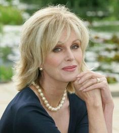joanne lumley kuvat – Google-haku Joanna Lumley, 1 Film, Fringe Bangs, Love Everyone, Pretty Females, Corpse Bride, Jane Birkin, English Actresses, Comedians